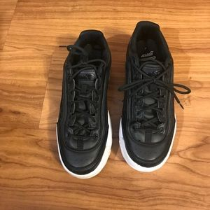 EUC Black lace up thick sole sneakers